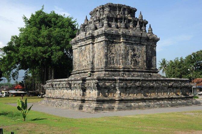 Mendut Temple (Candi Mendut)