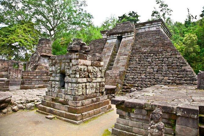 Templo de Sukuh (Candi Sukuh)