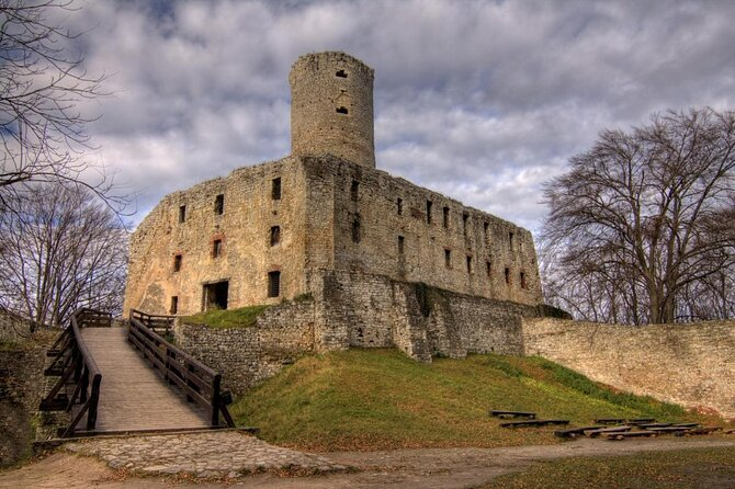 Lipowiec Castle (Zamek Lipowiec)