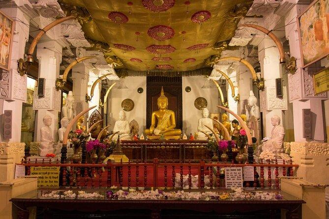 Tempio della reliquia del sacro dente (Sri Dalada Maligawa)