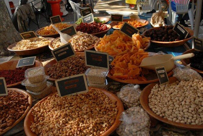 St-Tropez Market (Marché Place des Lices)