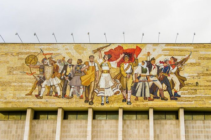 Museu Histórico Nacional de Tirana (Muzeu Historik Kombëtar)