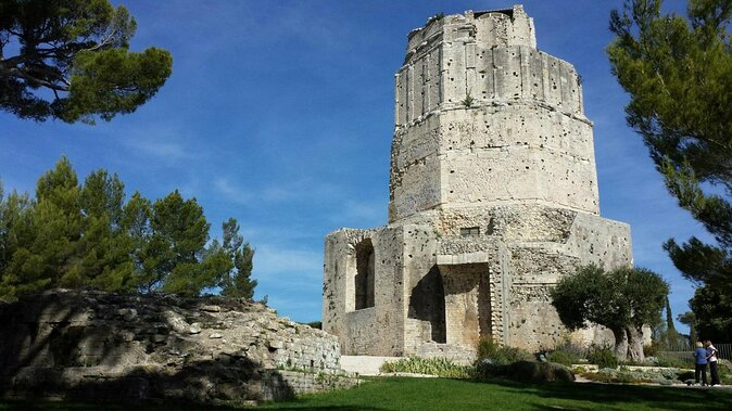 Magne Tower (Tour Magne)