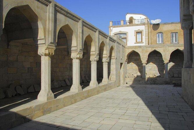 Palazzo degli Shirvanshah (Şirvanşahlar Sarayi Kompleksi)