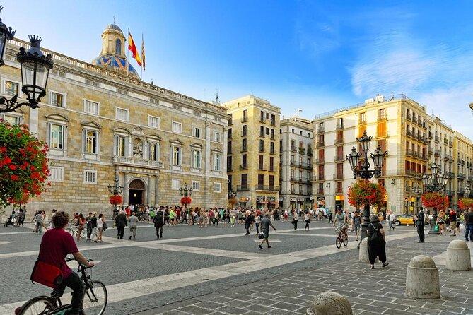 St. James Square (Plaça de Sant Jaume)