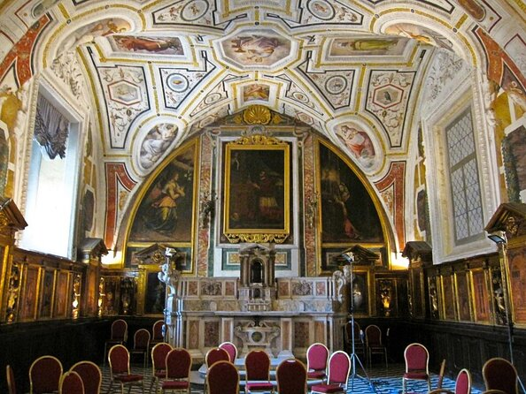 Church of Sant'Anna dei Lombardi (Chiesa di Sant'Anna dei Lombardi)