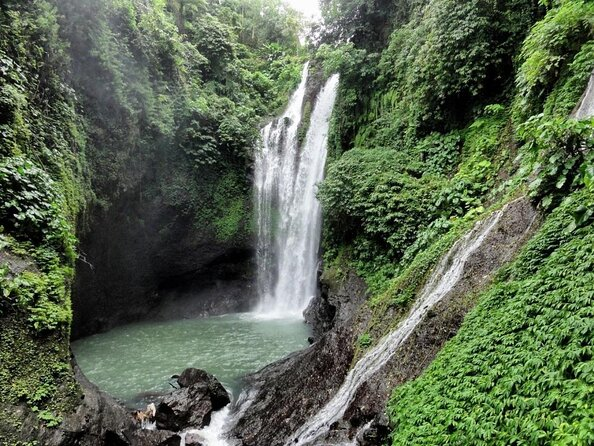 Aling-Aling Waterfalls (Air Terjun Aling-Aling)
