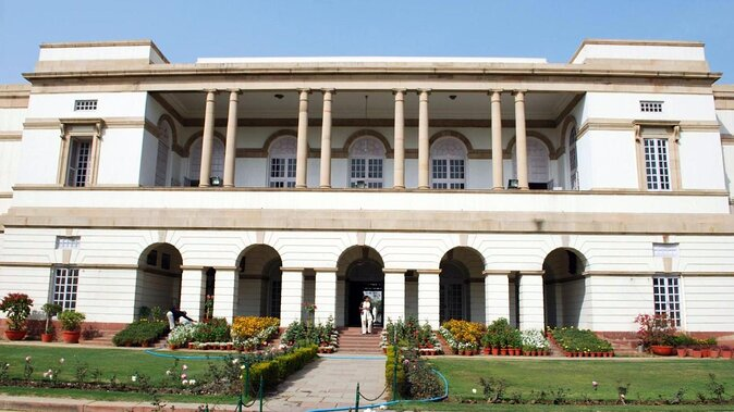 Nehru Memorial Museum and Library (Nehru Planetarium)