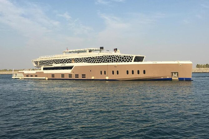 Crucero de lujo en el puerto deportivo de Dubai con cena buffet de 5 estrellas y traslado