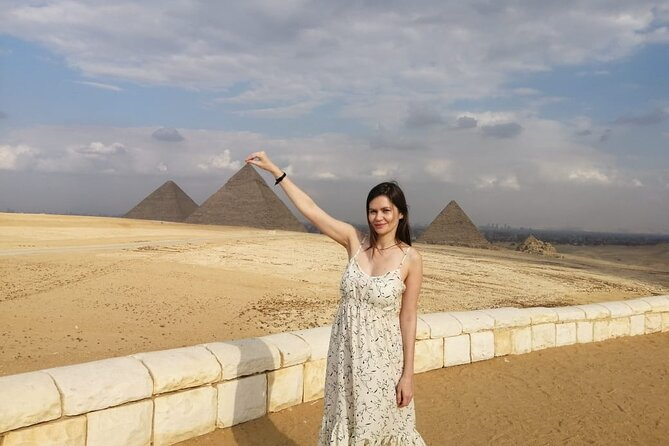 Private Half-Day Tour to Giza pyramids sphinx with Lunch from Cairo Giza hotel
