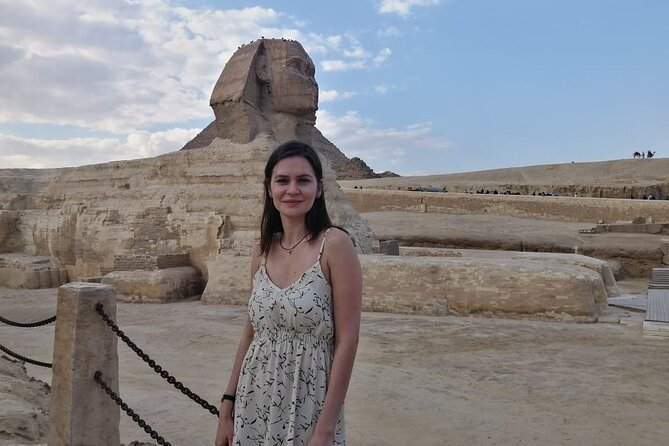 tour to giza pyramids sphinx with only driver from your hotel in cairo or giza