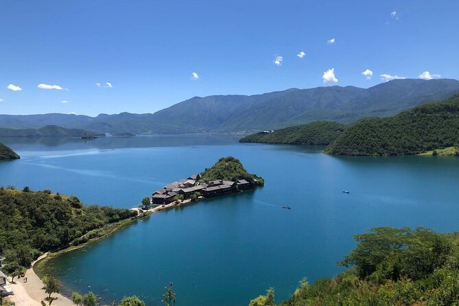 Private Day Tour to Lugu Lake from Lijiang