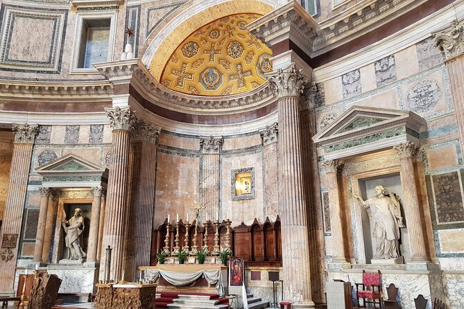 Explore Rome with an Archaeologist: Pantheon, Trevi Fountain, Piazza Navona