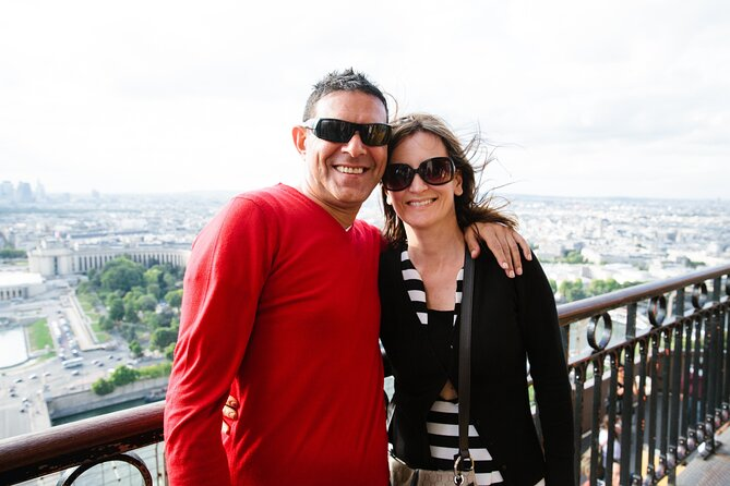 Small-Group Skip-the-Line Eiffel Tower Tour with Summit Access