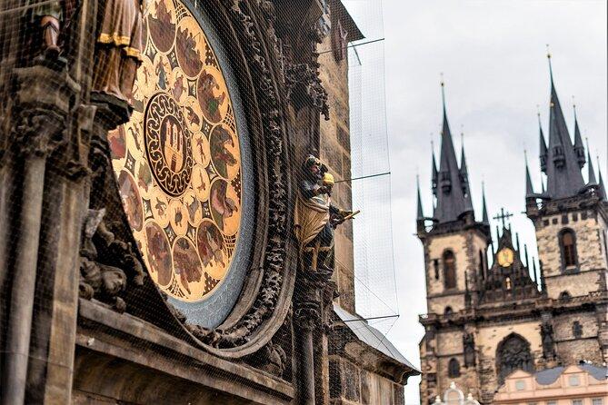 Torre del reloj astronómico de Praga: ticket de entrada con introducción