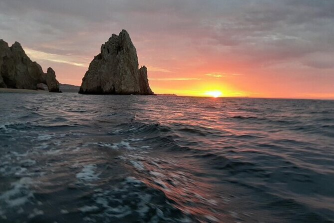 Beautiful pacific sunset cruise in Los Cabos