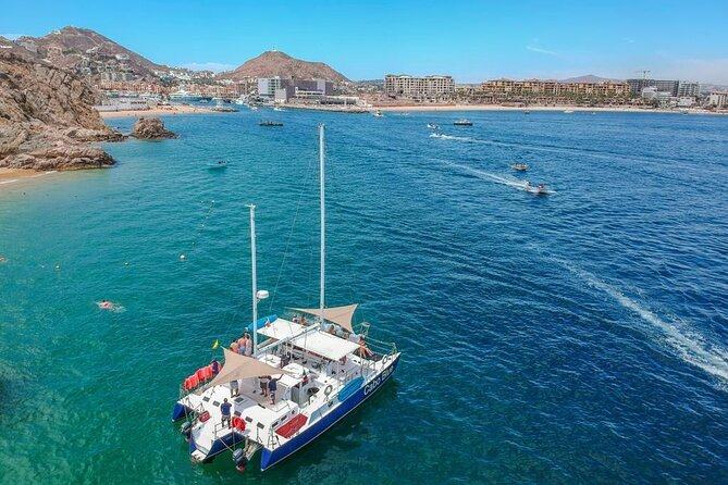 3-hour Snorkeling and Catamaran in Cabo San Lucas
