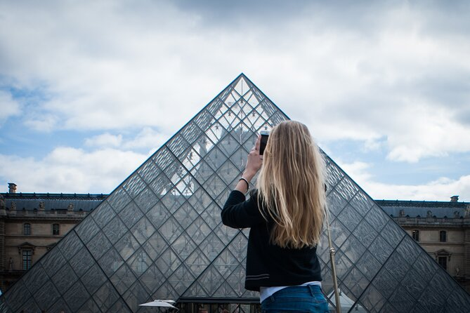 Paris Private Tour with Skip the line Tickets to Louvre Museum
