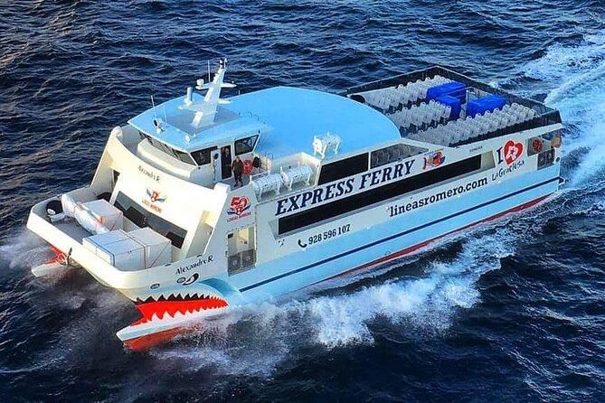 Goedkope ferry ferry overtocht van Orzola in Lanzarote naar het eiland La Graciosa