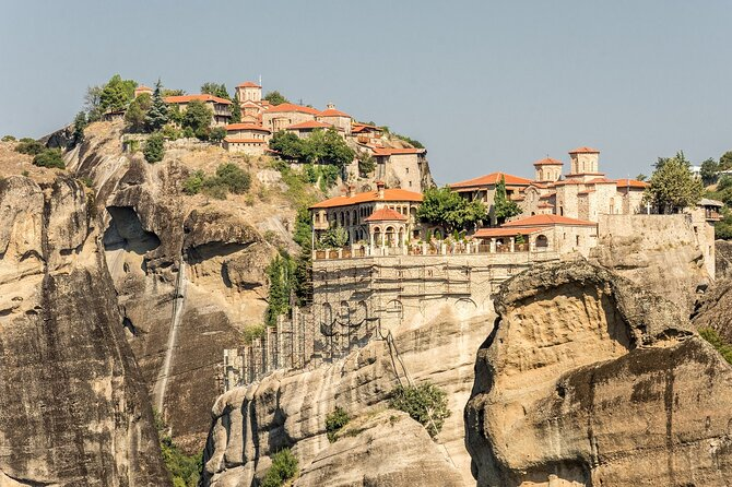 Private Minivan Transfer to Meteora and back from Thessaloniki