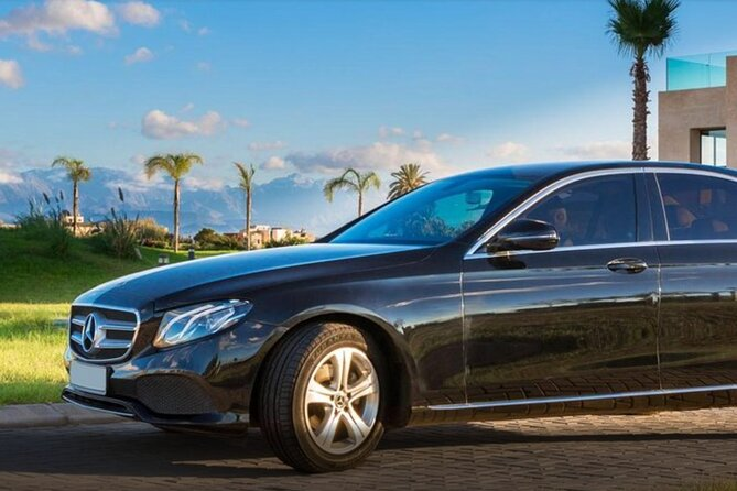 Private transfer from Marrakech Airport to Hotels and Riads in Marrakech medina