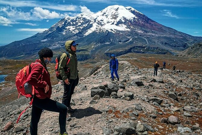 Volcán Carihuayrazo + Laguna Congelada + Trekking + una Atracción Imperdible