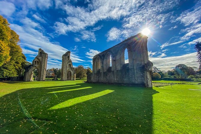 Private Day Tour to Stonehenge and Glastonbury