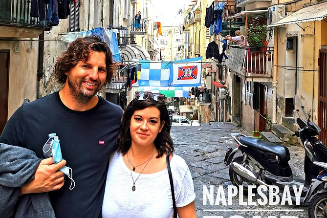 Folkloristic and historical tour in the Spanish Quarters of Naples and Street art