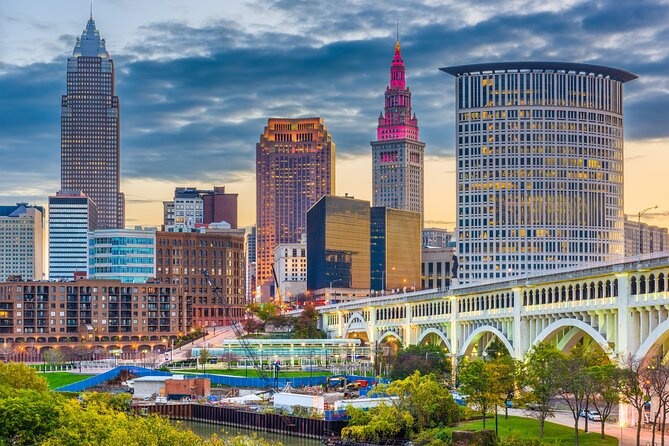 Private Smartphone-Guided Walking Tour of Downtown Cleveland