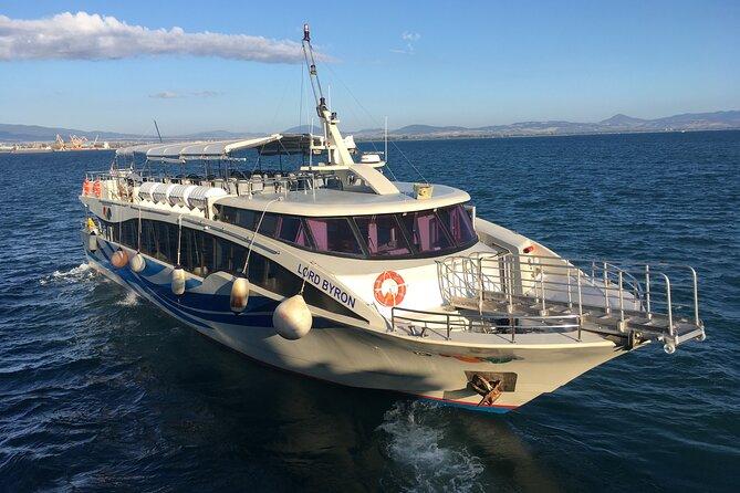 Ferry boat tour to the Cinque Terre with stop in Riomaggiore and Monterosso
