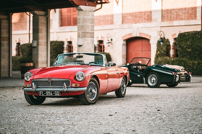 Getaway in the vineyards of the Médoc in a vintage car