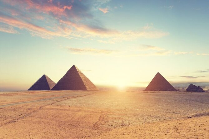 Full-Day Tour to Giza Pyramids, Great Sphinx , Memphis and Sakkara Pyramids