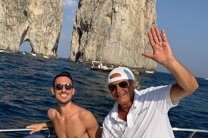 Capri Private Tour on Luxurious Boat with Aperitif