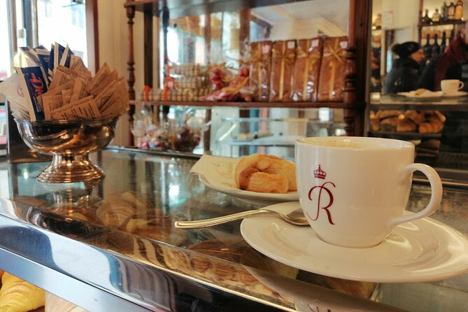 Sweet Venice: traditional cafès and pastry shops walk