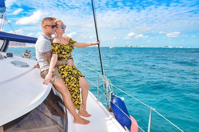 Sailing Catamaran in Cancun with Open Bar