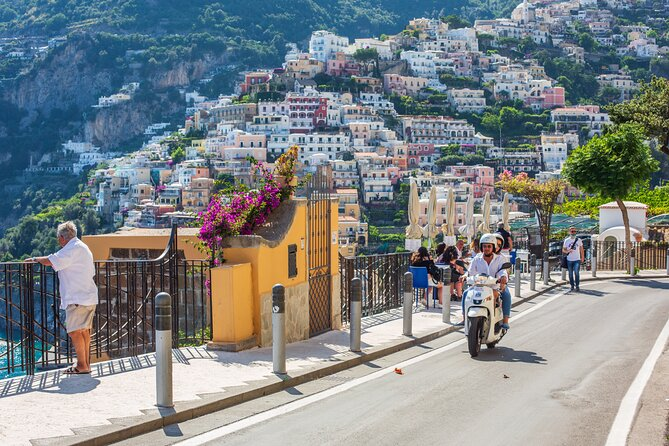 Scooter rental to visit the Amalfi Coast