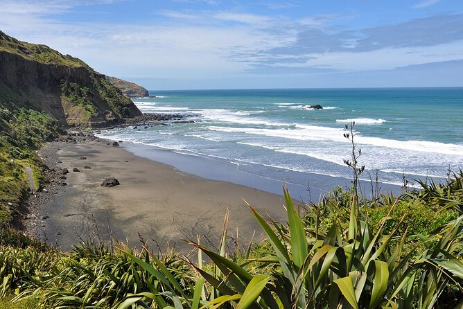 Wild West Coast & Black Sand Beach Tour incl Craft Beer Brewery Lunch & Tasting