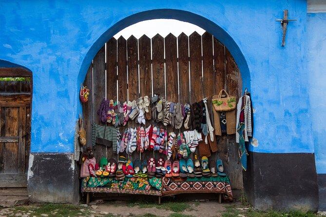 Streets vendors in Viscri
