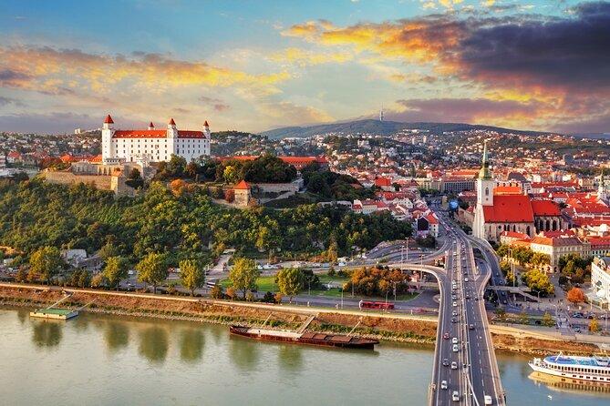 ウィーンからブラチスラヴァへの貸切ツアー