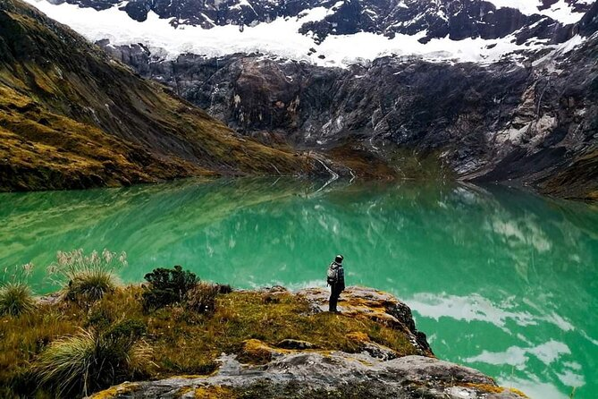 Volcan El Altar |Trekking | Laguna Amarilla | 2 Dias 1 Noche | Todo Incluido