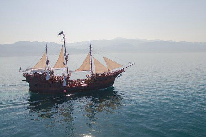 Crociera con cena sulla nave dei pirati con spettacolo