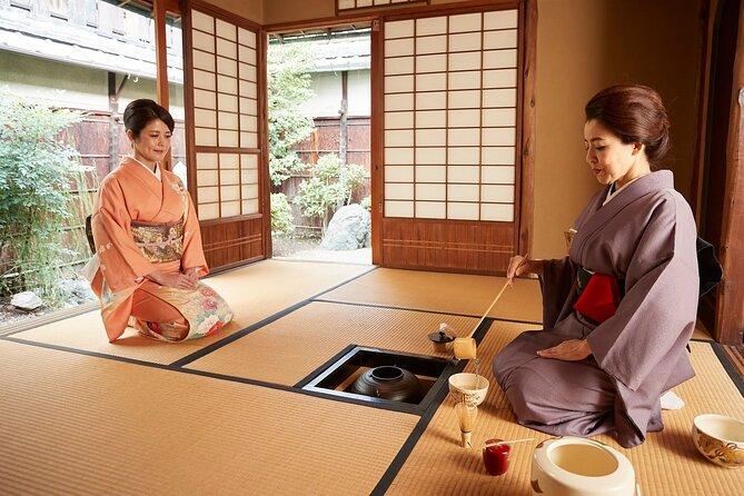 Privat teseremoni med Kimono i et tradisjonelt hus av Maikoya Kyoto