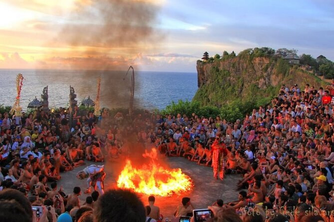 Skip the Line: Admission Ticket for Kecak Dance & Uluwatu Temple Sunset Tour