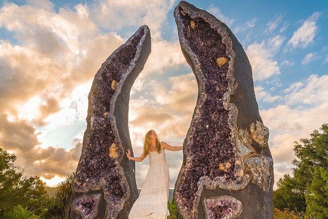 Byron Bay and the Crystal Castle Day Tour from Gold Coast