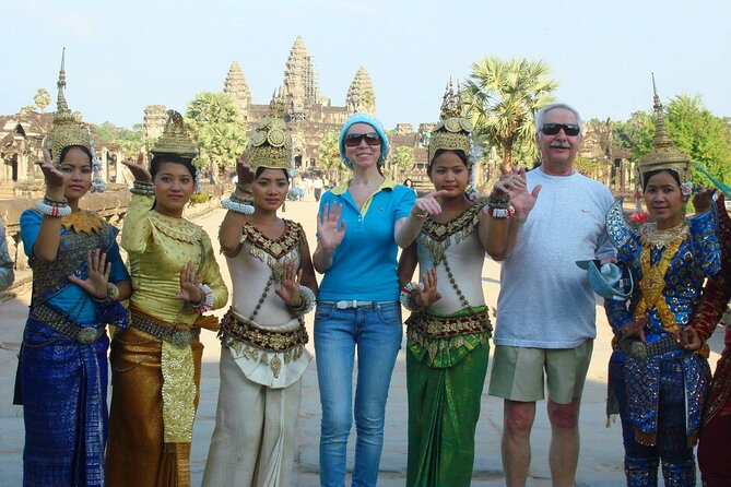 6-Day Private Cambodia Tour to Angkor Wat in Siem Reap and Phnom Penh