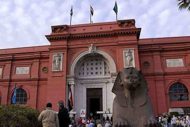 Private Day Tour: Egyptian Museum,Old Cairo and Khan El Khalili Bazaar in Cairo
