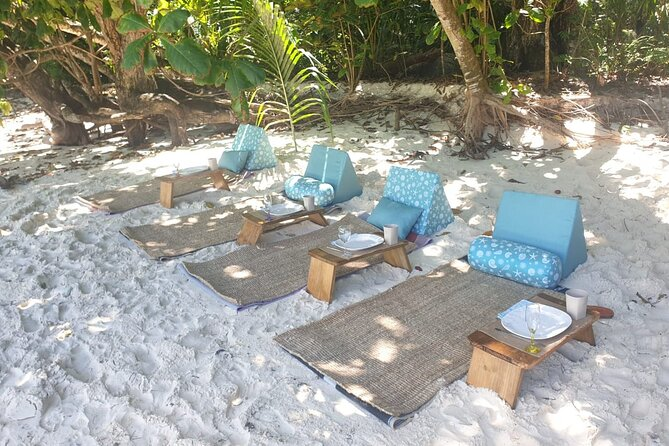 Private Full-Day Cruise and Snorkeling in Mahe with Beach BBQ
