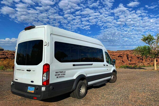 Lower Antelope Canyon and Horseshoe Bend Small Group Day Tour from Las Vegas