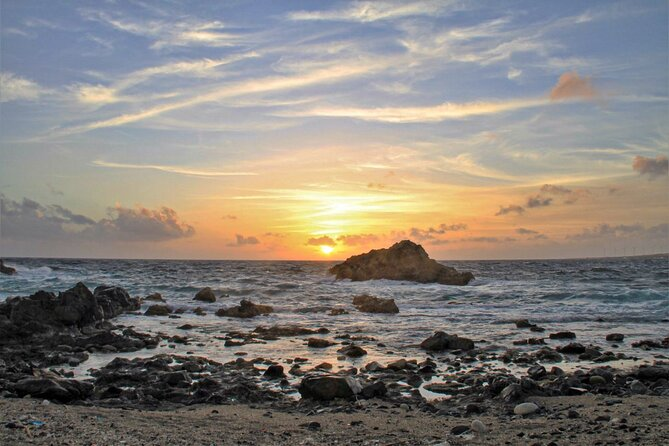 Sunrise hike with private guide to Aruba's Natural Pool - Eco-friendly!