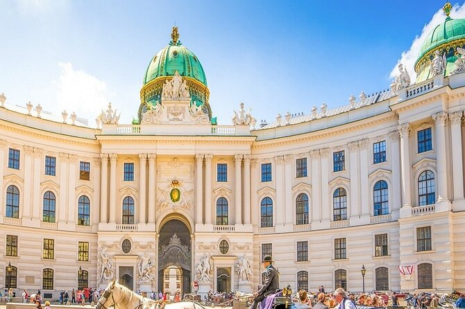 Fun scavenger hunt with interesting facts in Vienna